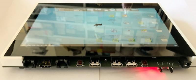 Панельный персональный компьютер